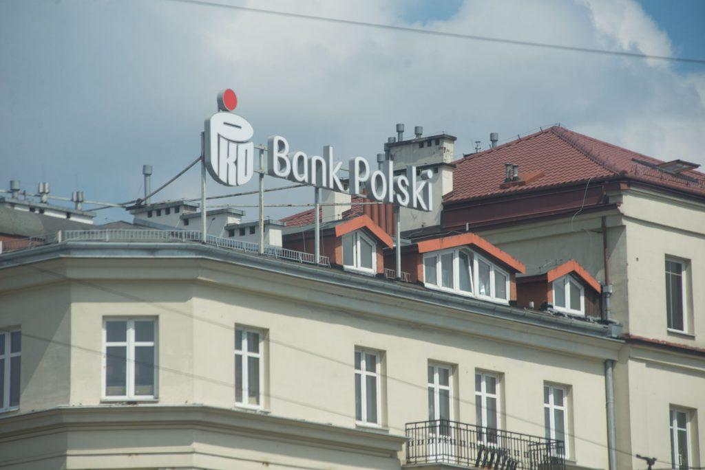 Ubezpiecz auto w placówce PKO Banku Polskiego