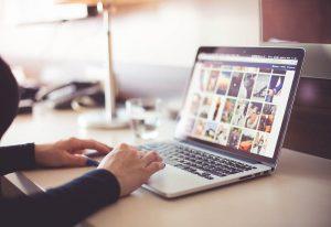 Jak Polacy kupują przez Internet?