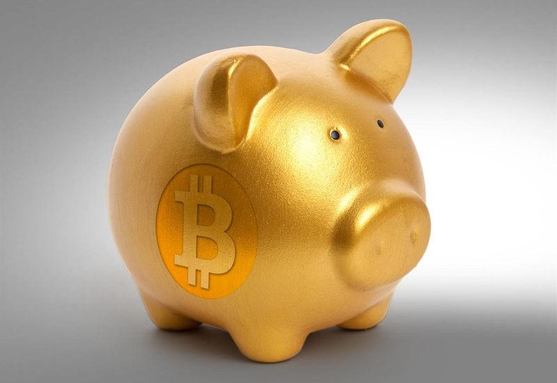 Banki coraz bardziej lubią FinTechy, ale pozostają w opozycji do Bitcoinów