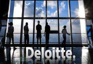 Deloitte: Brexit podzielił przedsiębiorców