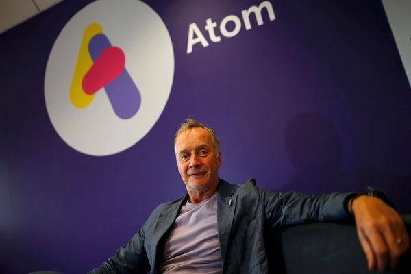 Źródło: theguardian.com. Anthony Thompson, jeden z twórców Atom Banku.
