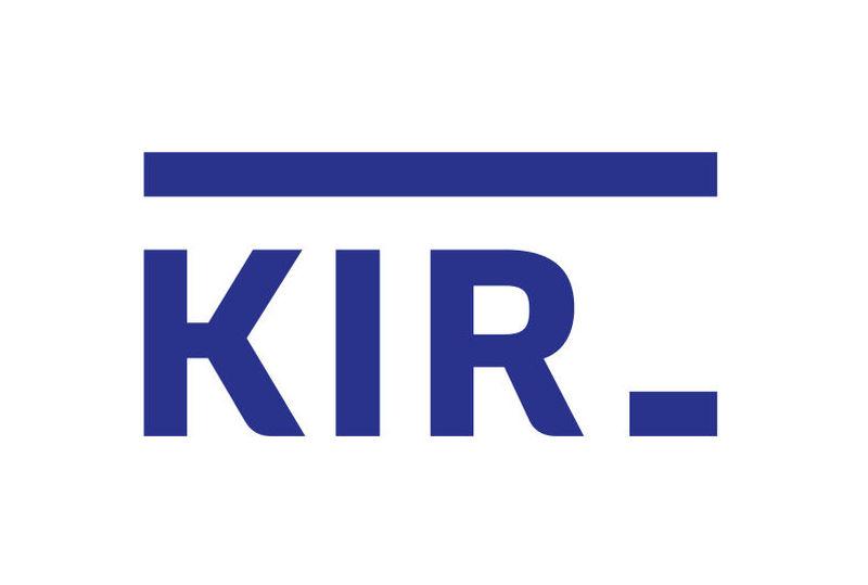 Coraz więcej Polaków wykonuje przelewy. Potwierdzają to dane KIR.
