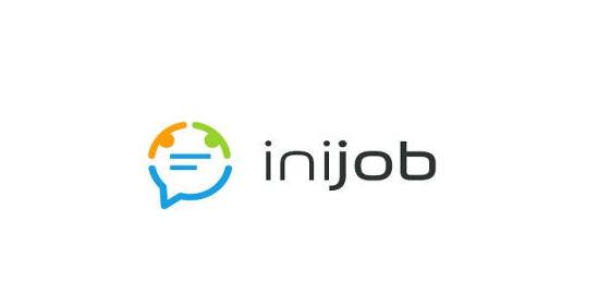 Logo iniJOB - serwisu, na którym pracownicy mogą opiniować swoje miejsce pracy i wpływać na jego poprawę.