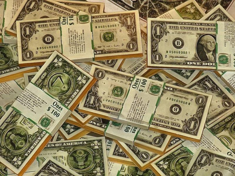 Amerykańska waluta jest najmocniejsza od 15 lat.