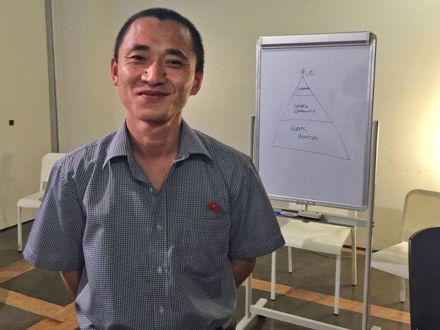 naukowiec z Korei Północnej na spotkaniu w Singapurze. Rozmawiali o startupach