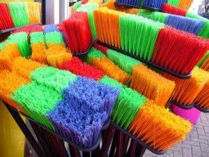 Zmieniają oblicze rynku sprzątania - posprzatajmi.pl. Uber dla pomocy domowych?