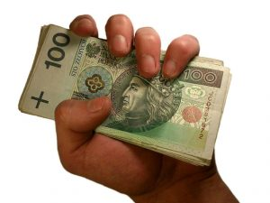 Wypłaty w gotówce to już przeszłość. Nowy pomysł Ministerstwa Rozwoju.