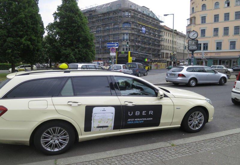 Nowe ceny na dłuższych trasach w Uberze