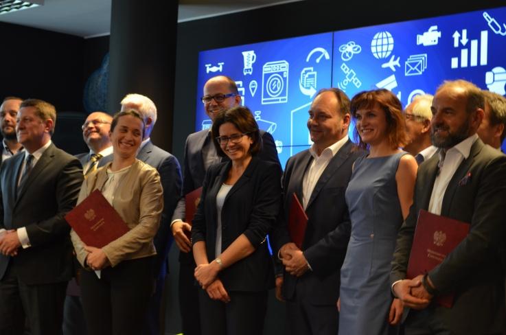 5G dla Polski - Anna Streżyńska podpisała porozumienie.