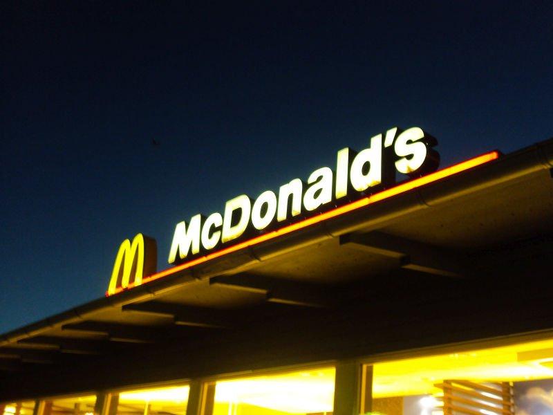 Dostawy z McDonald's dzięki UberEats? uż niedługo wystartują w Warszawie