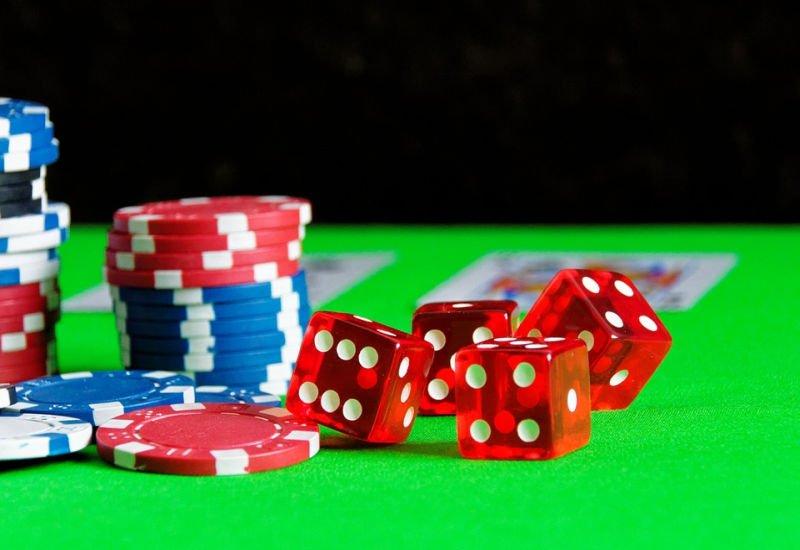 Finansowy szlaban na nielegalny hazard w sieci.