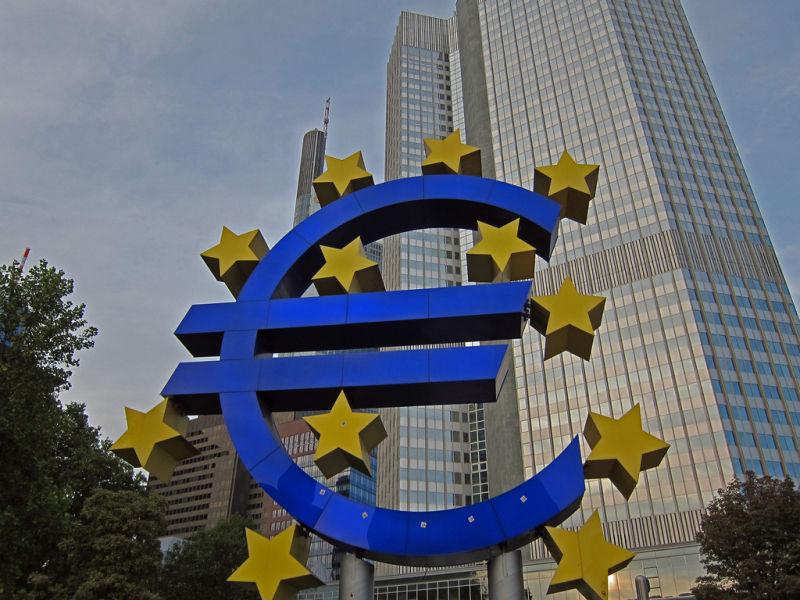 Europejski Bank Centralny będzie regulował fintechy.