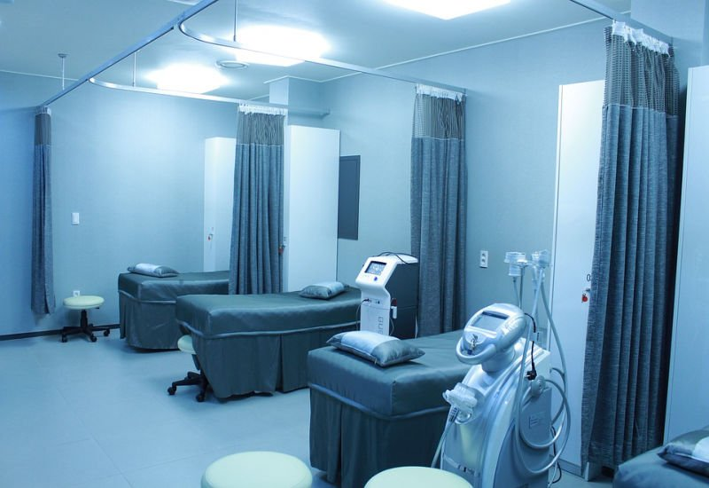 Pierwszy polski szpital wdrożył nowoczesny monitoring temperatury oparty o machine learning.