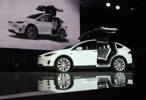 Tesla Model X ikoną bezpieczeństwa. Najbezpieczniejszy SUV w historii.