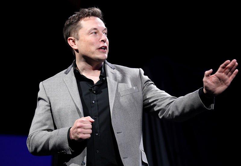 Elon Musk o wojnie ze sztuczną inteligencją.