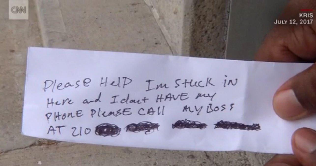Notka człowieka, który utknął w bankomacie. - źródło CNN.