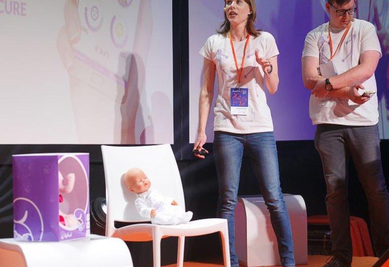 Polski startup stworzył inteligentne ubranko dla niemowląt.