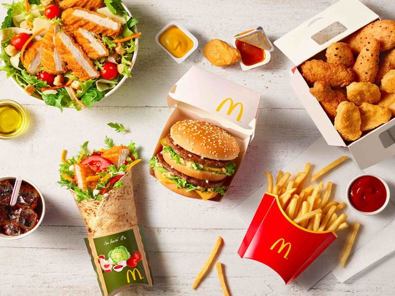 UberEats oficjalnie dostarczy jedzenie z McDonald's w Warszawie. Rusza system McDelivery.