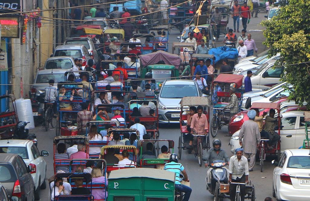 W Indiach możemy wciąż możemy spotkać wielu rikszarzy.
