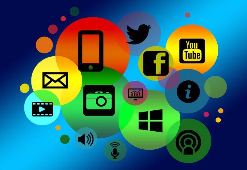 W Internecie treści i usługi nie są bezpłatne. Płaci reklama.