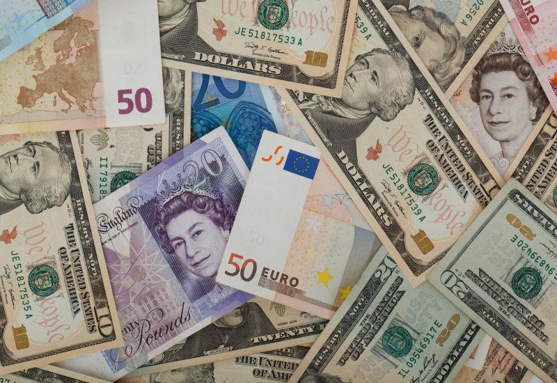 Gorący rok na rynku walut.