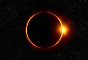 Już dziś pełne zaćmienie Słońca w USA. Zobaczcie gdzie je obejrzeć.