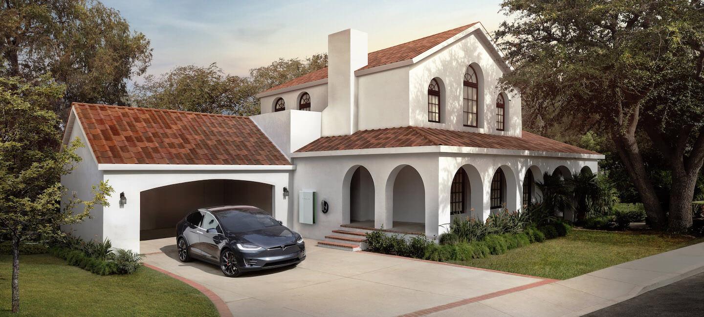 Tesla - dachy solarne. Jest też brązowa wersja.