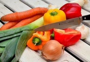 65 proc. Polaków przyznaje się do wyrzucania jedzenia.