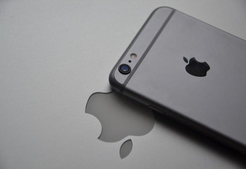 Chcecie zdobyć iPhone'a X w dniu premiery? Trzeba się spieszyć