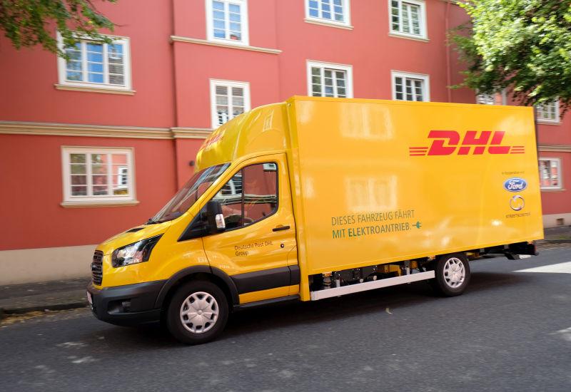 DHL testuje samochody bez kurierów.