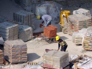 Sektor budowlany tonie w długach