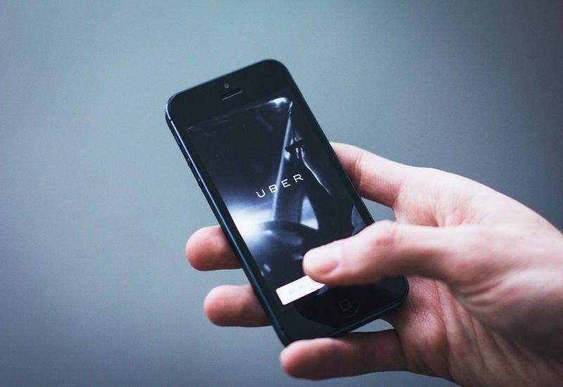 Płatności gotówką już dostępne w Uberze