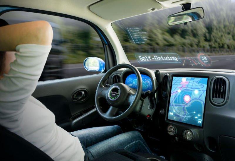 Samochody przyszłości – czym będą jeździć Polacy za 10 lat?