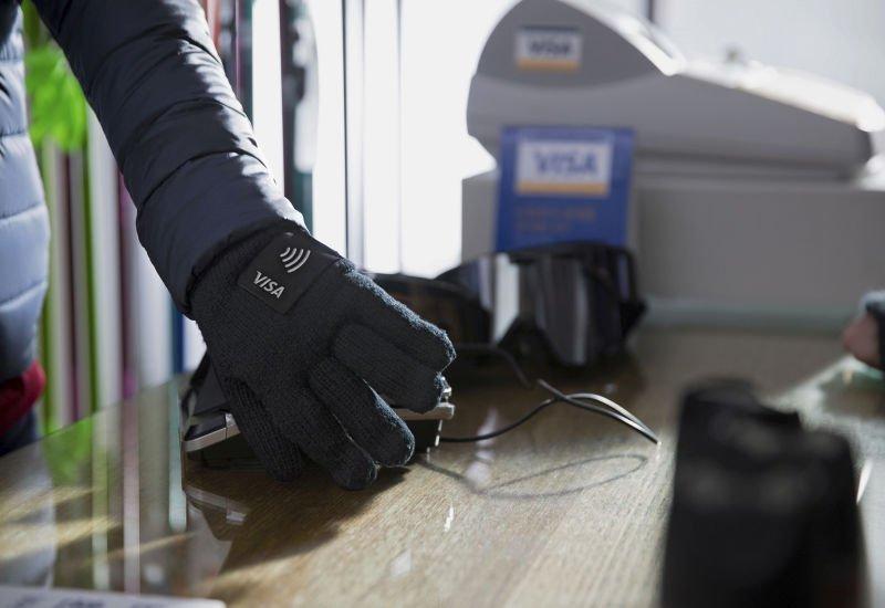 Visa wprowadza rękawiczki płatnicze