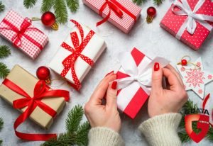Co zrobić, by nie obawiać się o swoje dane kupując przez Internet świąteczne prezenty?