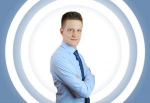 Rozmowa z Rekinem Finansów, czyli jak oszczędzają i inwestują Polacy