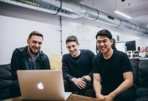 Polski startup Brainly przejmuje serwis Bask i stawia na materiały wideo