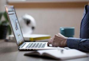 Jak poradzić sobie z atakiem hakerskim i odzyskać stronę internetową?
