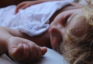 Nowa e-usługa Ministerstwa Cyfryzacji. Narodziny dziecka można zgłosić przez Internet.