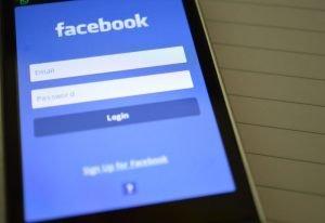 Kryzys Facebooka trwa: firma miała zawyżać odczyty reklamowe