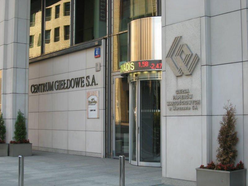 Rekordowe długi spółek z GPW, ale dłużników jest mniej