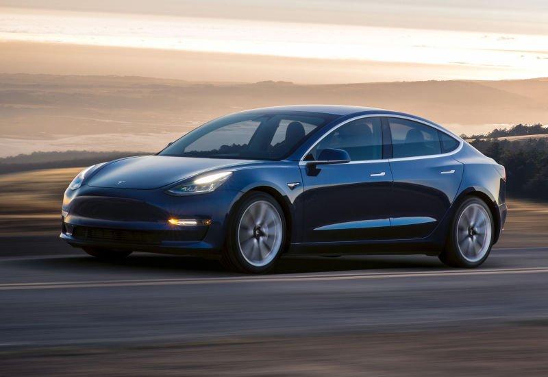 Tesla notuje rekordowe straty, a inwestorzy się cieszą