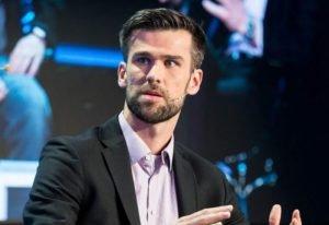 Mariusz Zabrocki, dyrektor zarządzający iwoca dementuje plotki o problemach firmy.