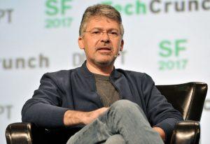 John Giannandrea zostanie nowym szefem ds. sztucznej inteligencji w Apple. Wcześniej pracował w Google.