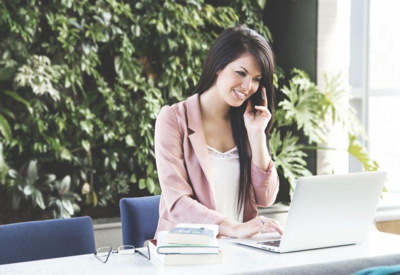 Kobiety w IT - jest ich niewiele, ale dobrze zarabiają