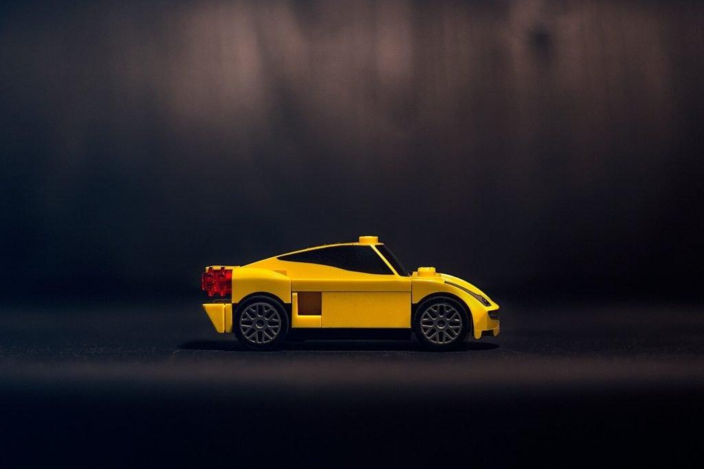 25% sprzedawców na eBay sprzedaje części samochodowe