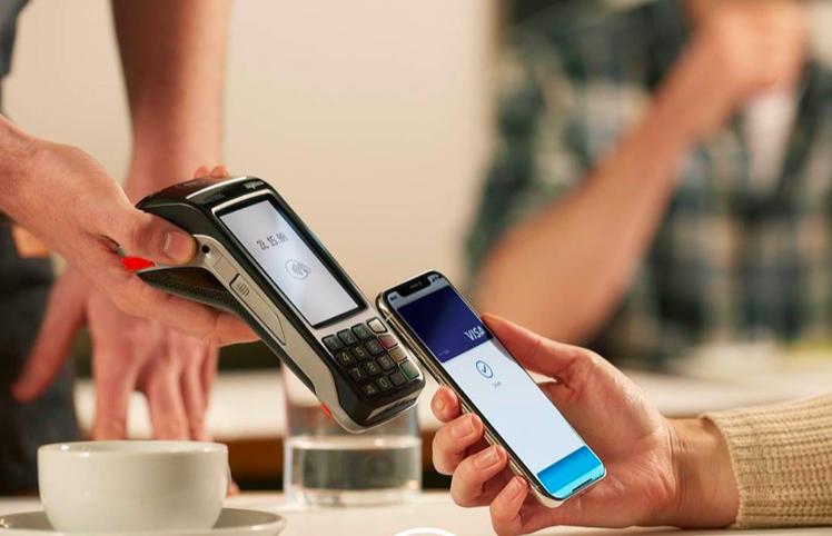 Garmin Pay i Fitbit Pay dla posiadaczy kart Visa od Pekao. Niedługo także Apple Pay