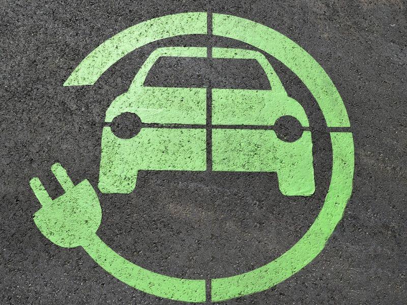 Będzie więcej ładowarek dla samochodów elektrycznych w Warszawie