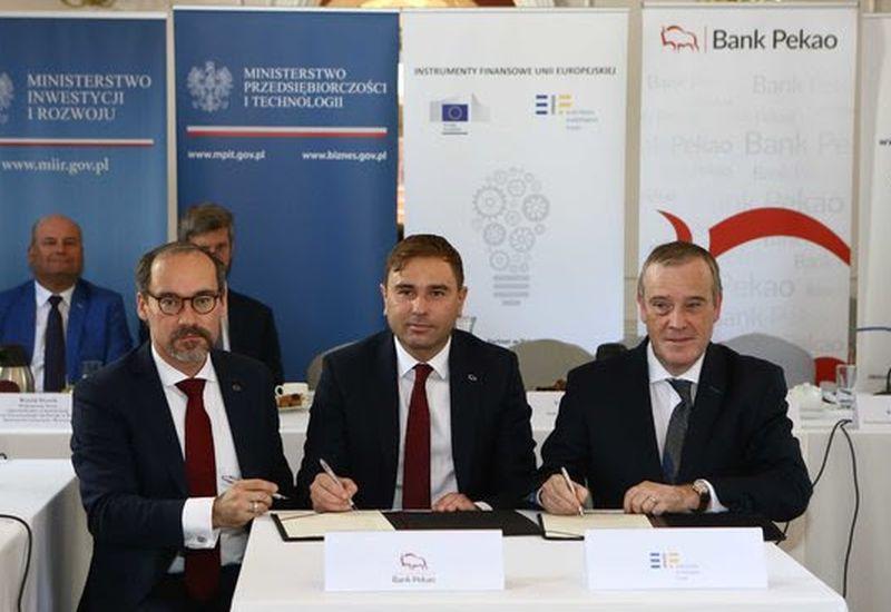 Miliard na kredyty dla polskich firm. Umowa Banku Pekao i EFI
