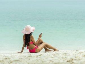 Bankowa aplikacja może się przydać podczas wakacji. Co trzeci Polak szuka za jej pomocą bankomatu lub placówki bankowej